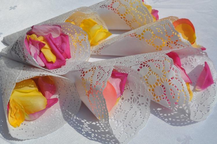 Кулечки с лепестками роз своими руками 641
